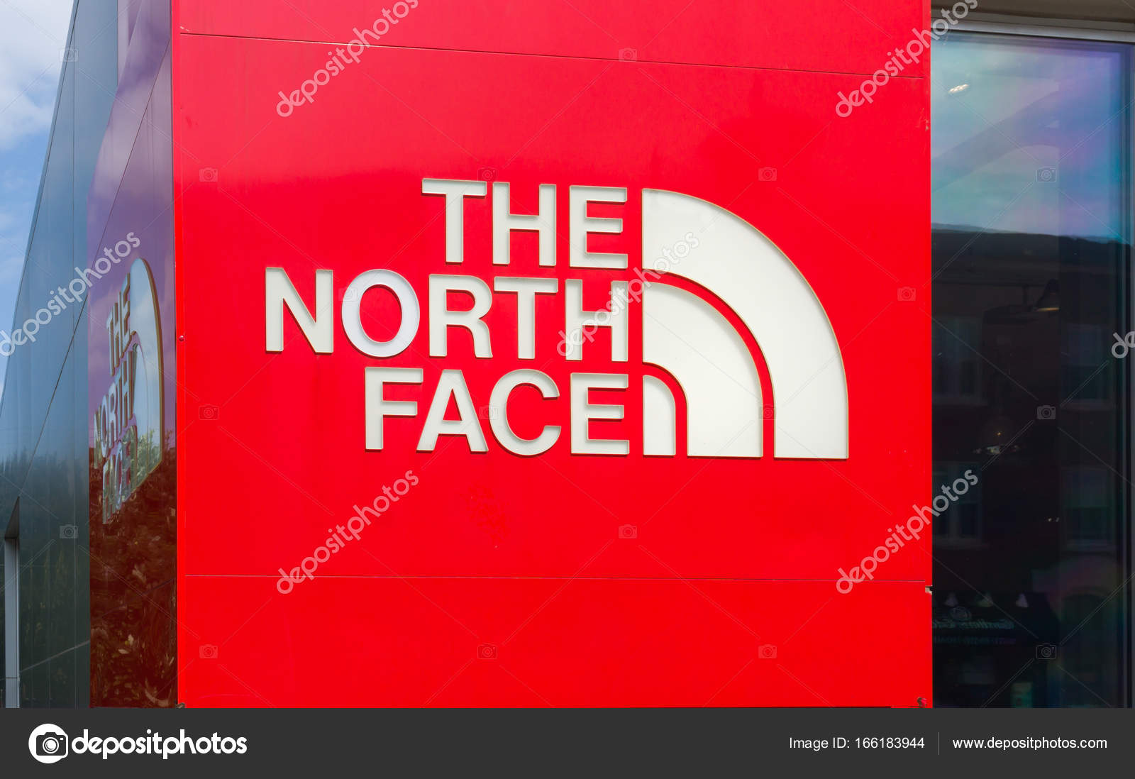 23794e9cbc St Paul, Mn-Usa - 10 septembre 2017 : Extérieur de magasin au détail The  North Face et le logo. The North Face, Inc. est une société américaine  produit pour ...