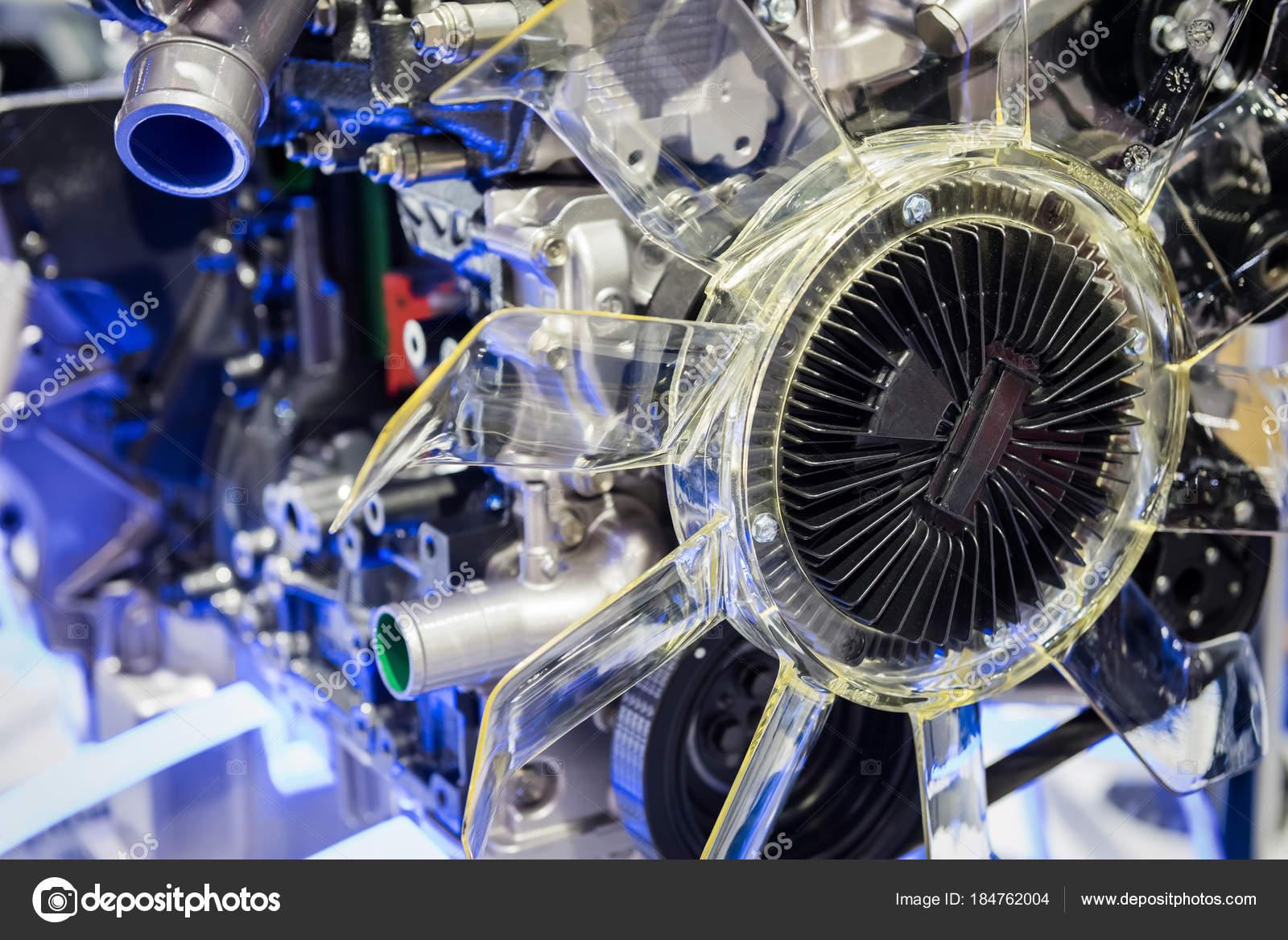 Teil des modernen Auto Hybrid-Motor — Stockfoto © blanscape #184762004