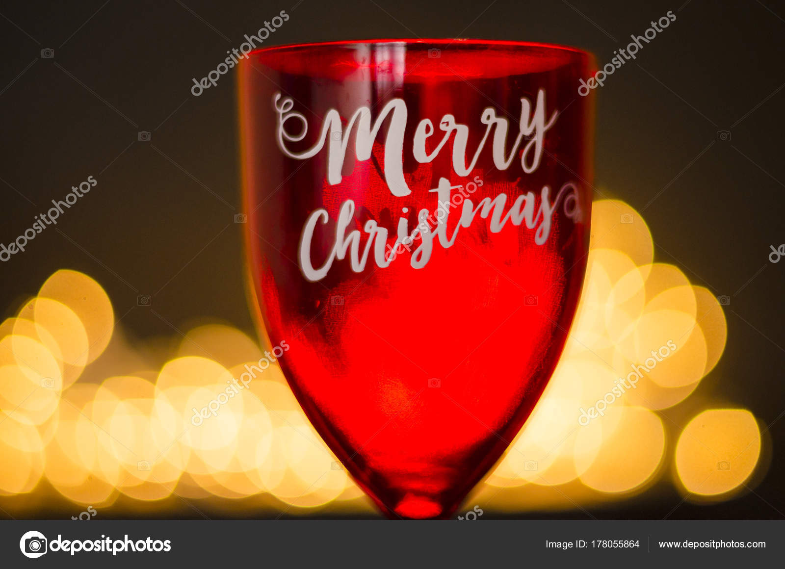Frasi Natale Vino.Bicchiere Vino Rosso Con Frase Buon Natale Sulla Priorita Bassa