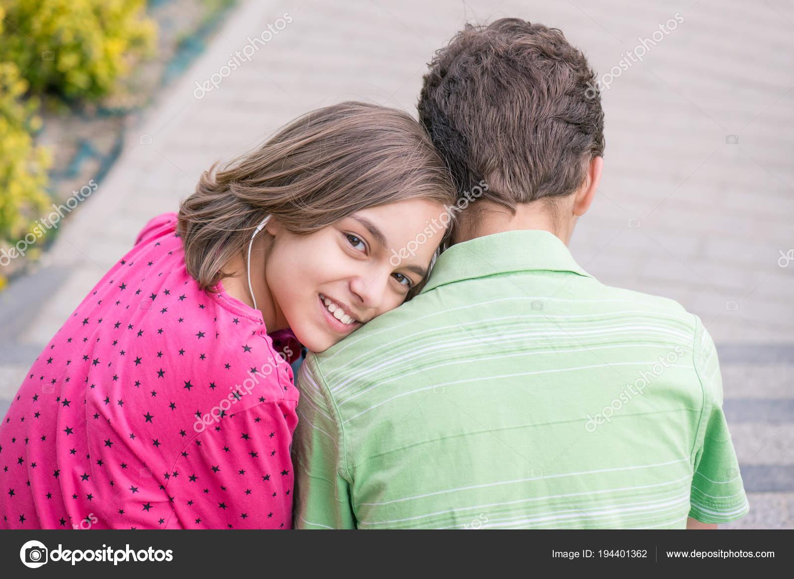 Έφηβος dating