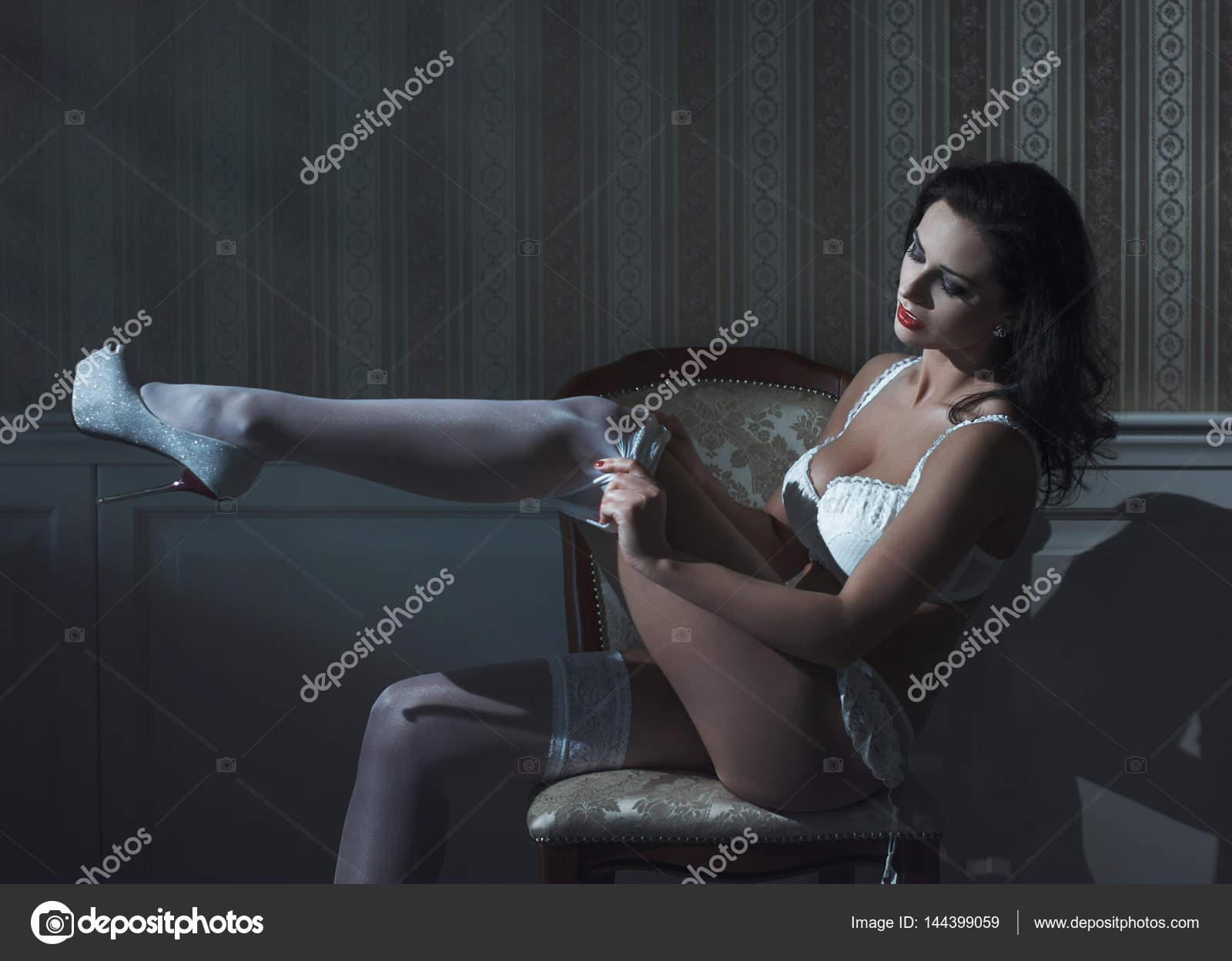 Γυμνό μαύρο έφηβος λεσβίες