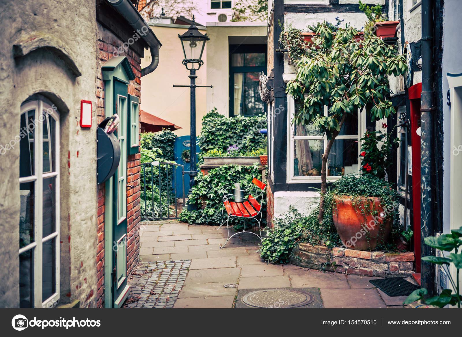historische schnoorviertel in bremen duitsland stockfoto alexdremlyuga 154570510. Black Bedroom Furniture Sets. Home Design Ideas