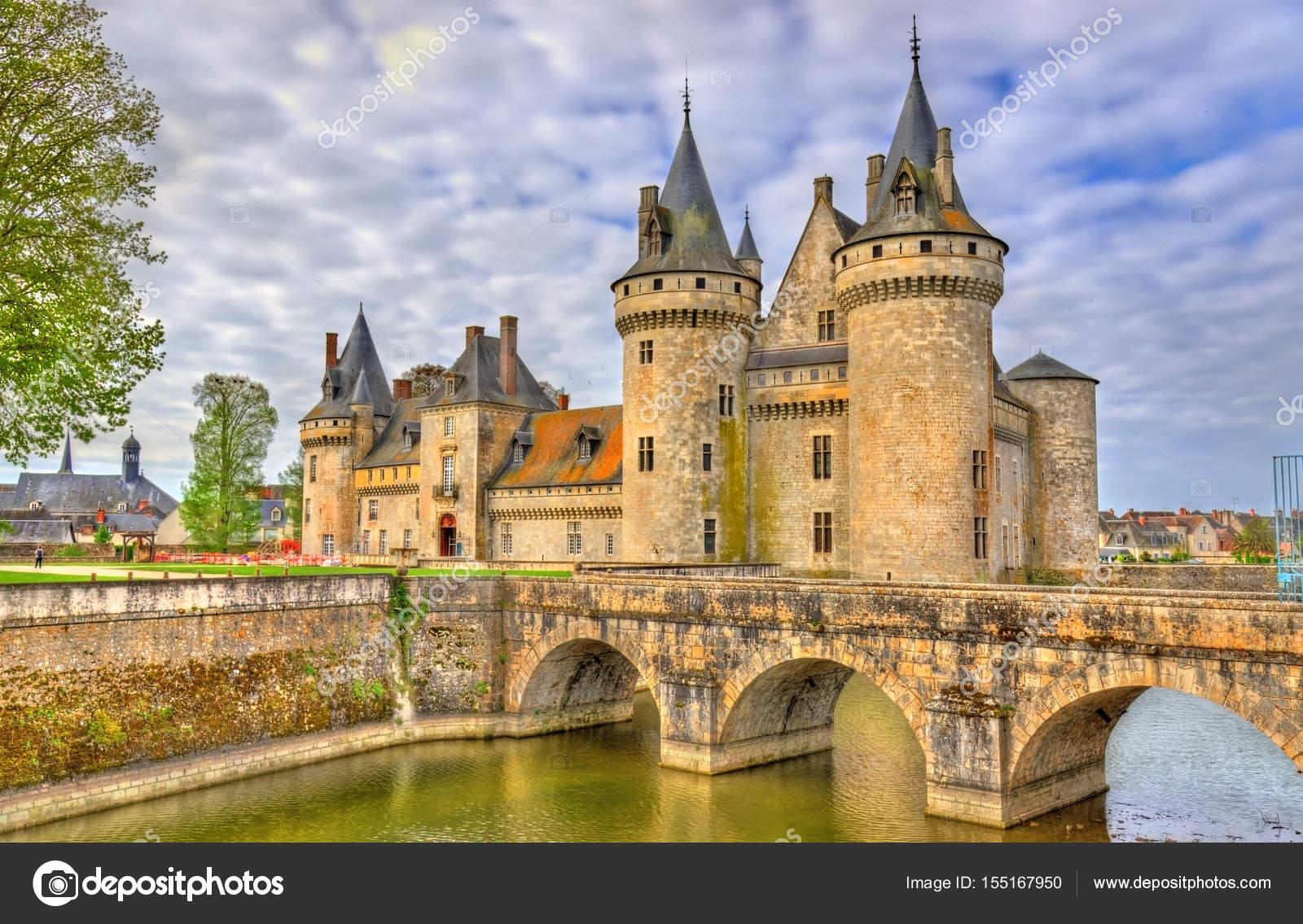 Chateau de sully sur loire en la del valle del loira for Clair logis sully sur loire