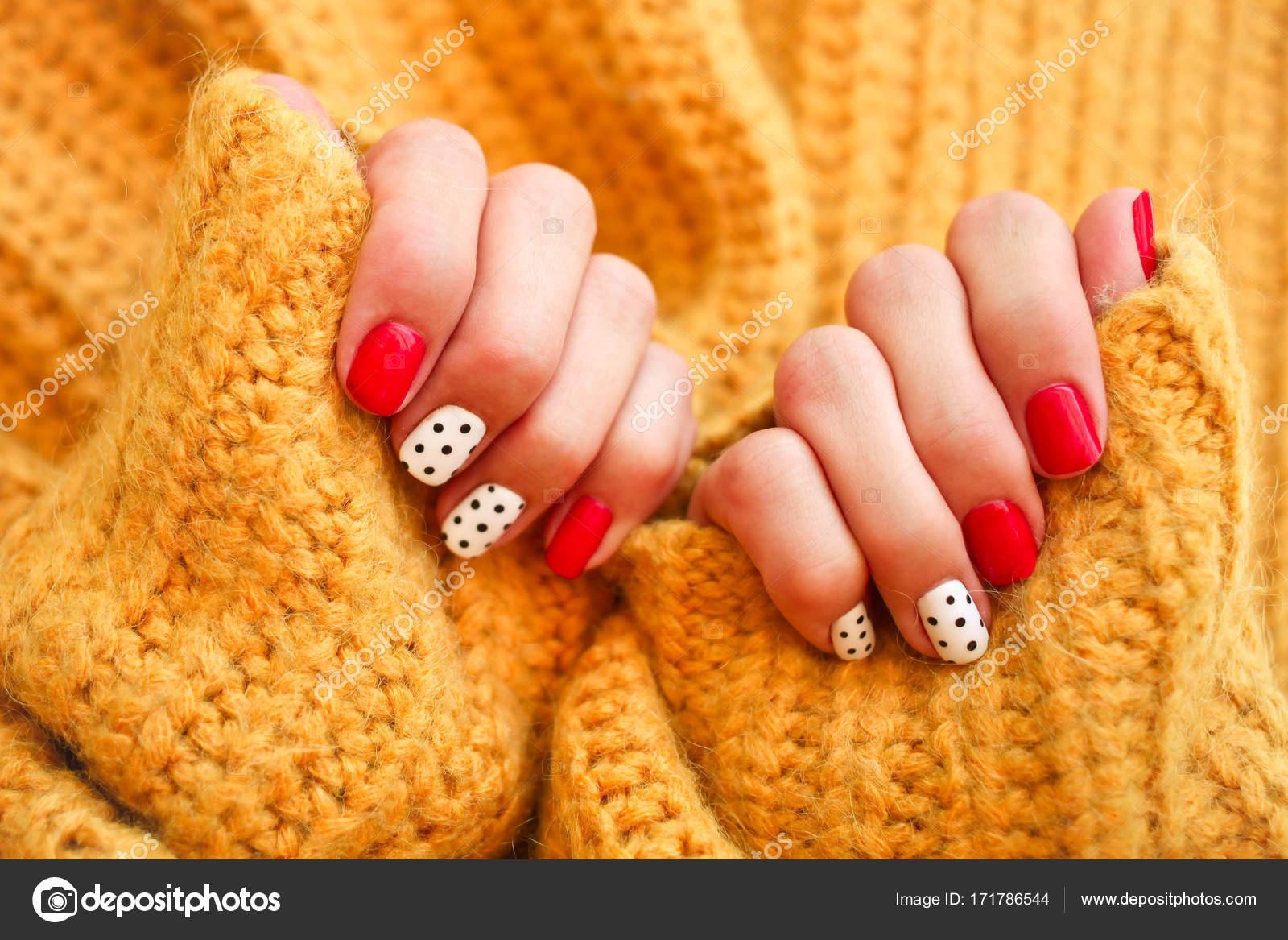 Красивые ногти зимой – план защиты