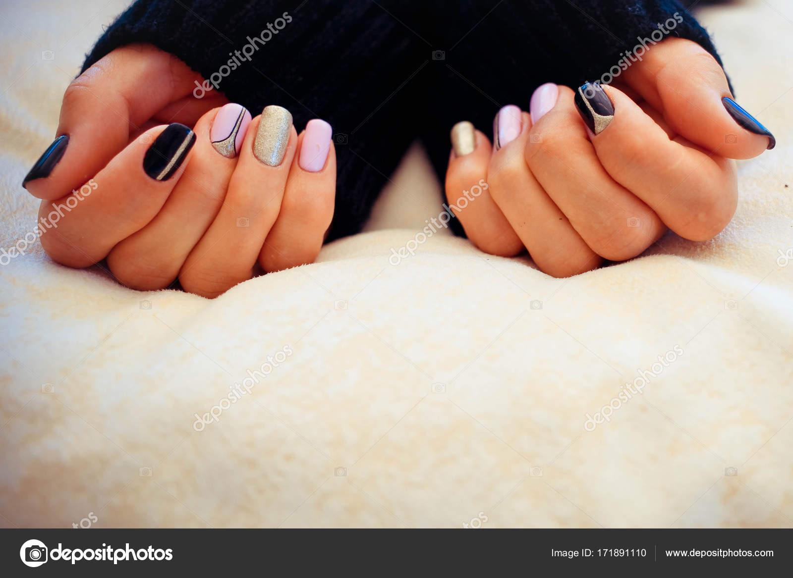 Regenbogenfarbenen Sammlung von Nagel-Designs für den winter ...