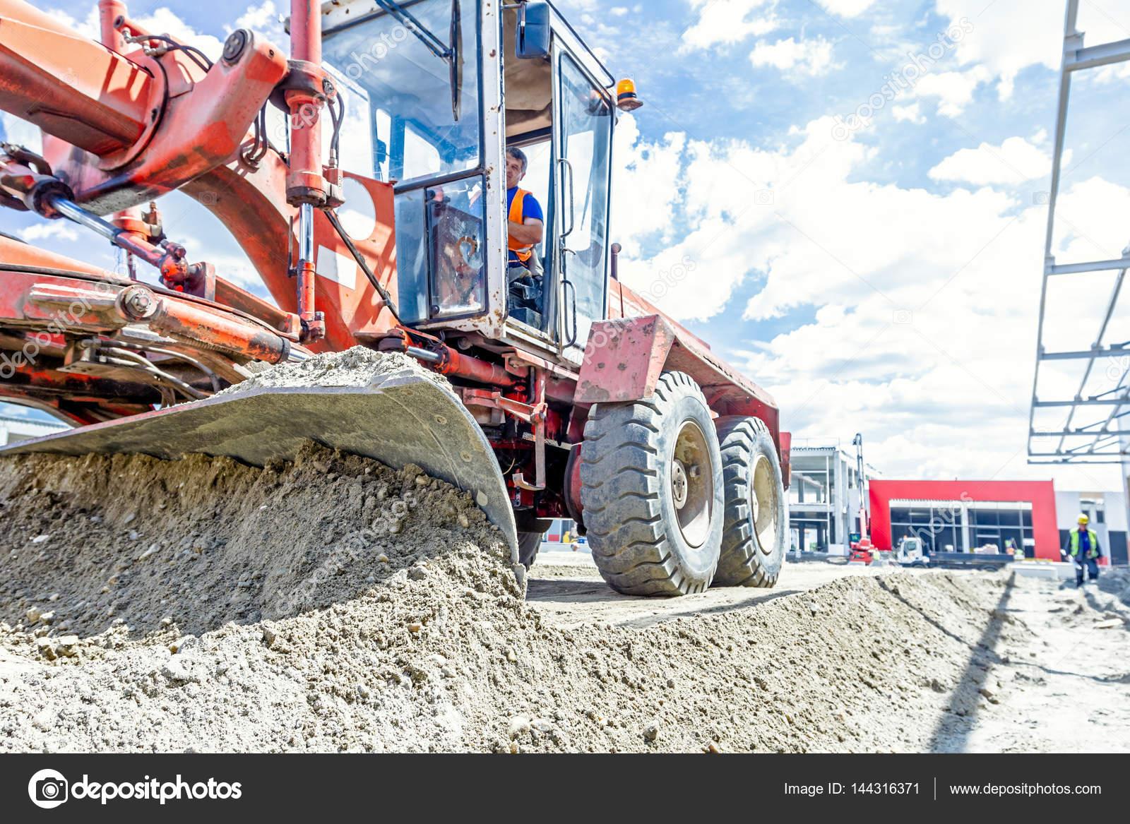 Selezionatore livellare il terreno al cantiere mostra for Livellare terreno
