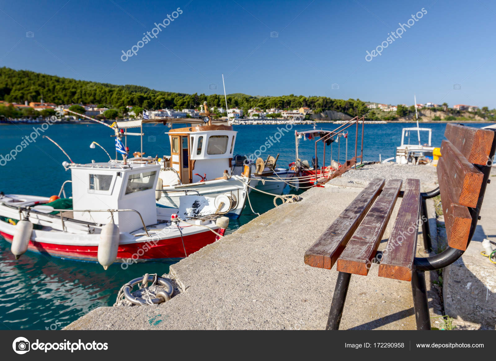 Pleasant Empty Wooden Bench At Boat Dock With Beautiful Docked Evergreenethics Interior Chair Design Evergreenethicsorg