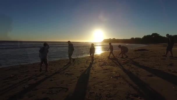 Sonnenuntergang Kinder-Kinder-Sommer-Spaß