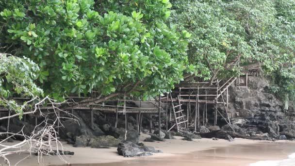 dřevěný most široké zobrazení, žádní lidé. Ao Nang, Thajsko