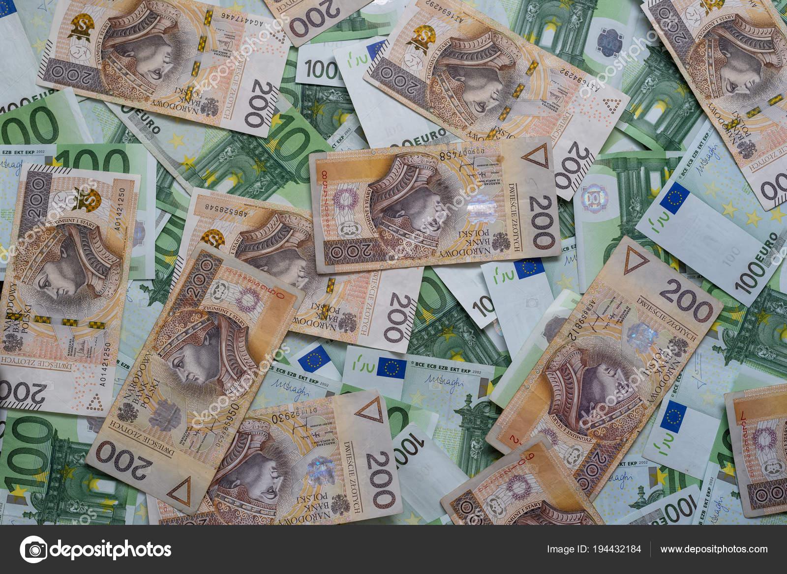 Poland Warszawa April 2018 Scattered 100 Euro 200 Pln