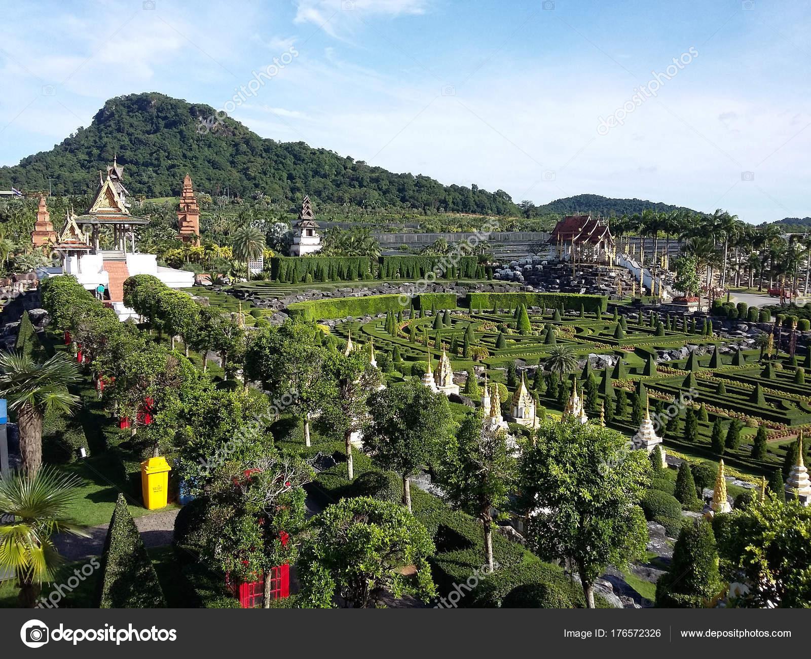 Nong Nooch Tropical Botanical Garden is a 500-acre botanical ga — Stock Photo
