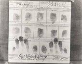 Fotografia Primo piano delle impronte digitali su carta