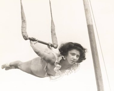 trapeze artist performing