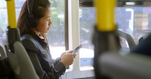 Эротика леди, видеоролик прижимание в транспорте