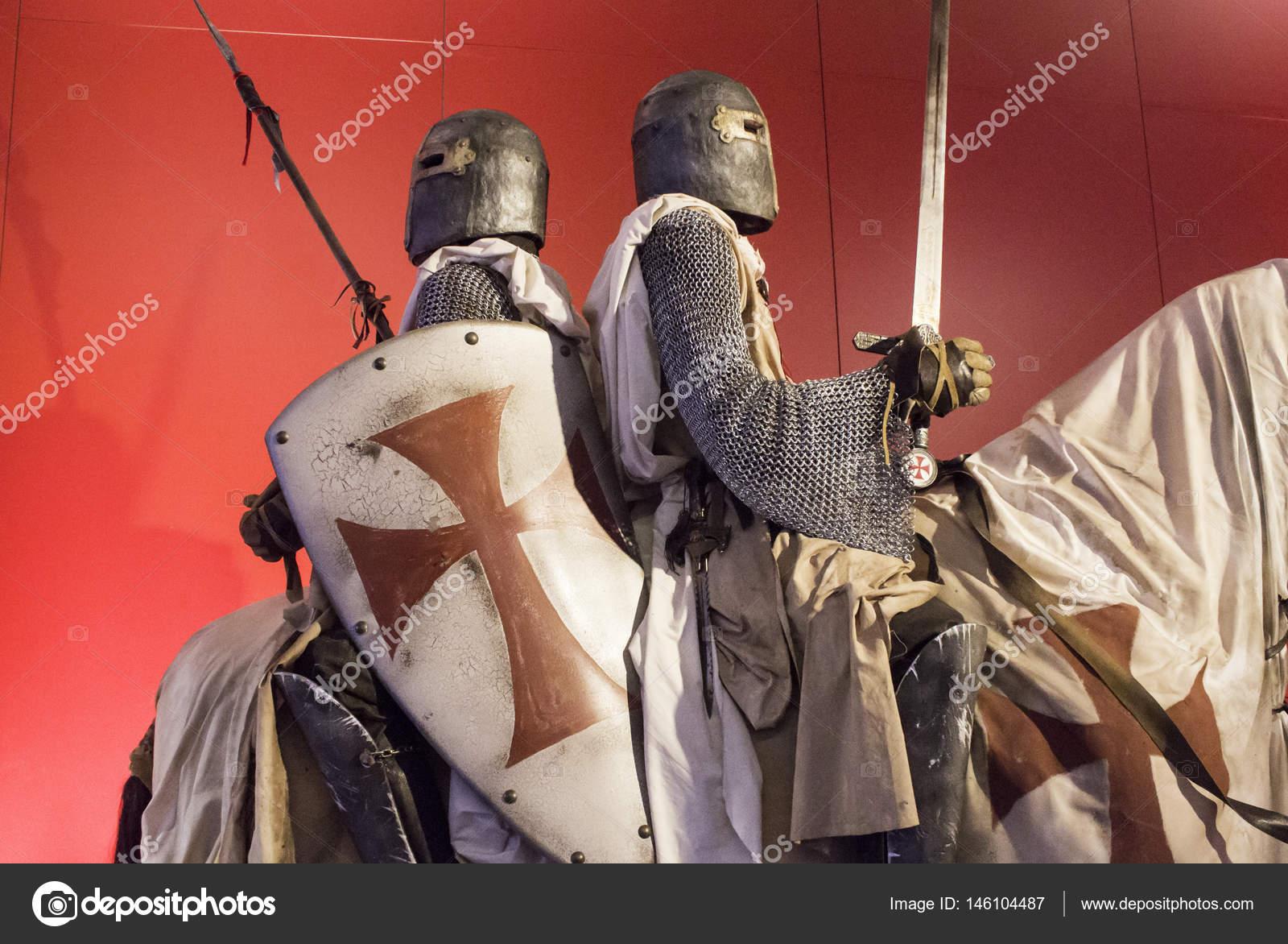 Pictures: templar armor | Knights Templar armor — Stock