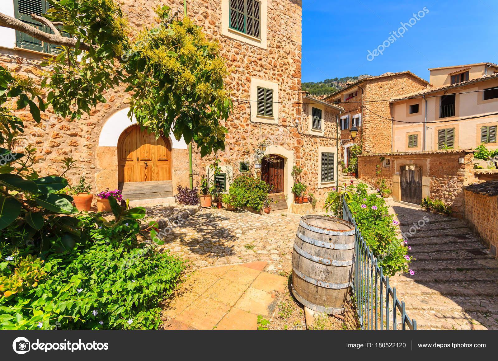 Casas Piedra Pueblo Montaña Fornalutx Mallorca — Foto de stock ...