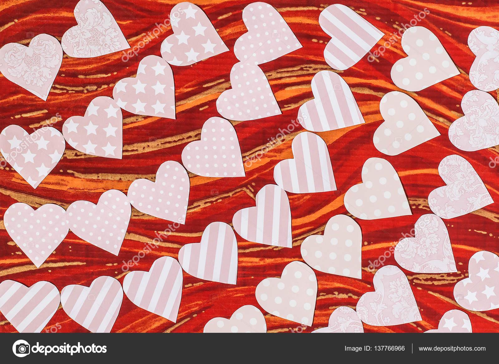 Girlanden aus zart rosa Herz aus Papier — Stockfoto © 13-Smile ...