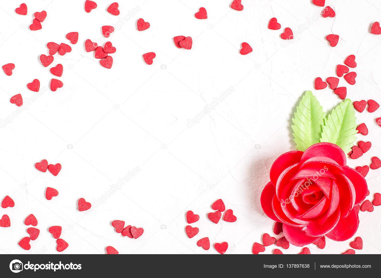 Dulce decoración: oblea de corazones rosa y azúcar — Fotos de Stock ...