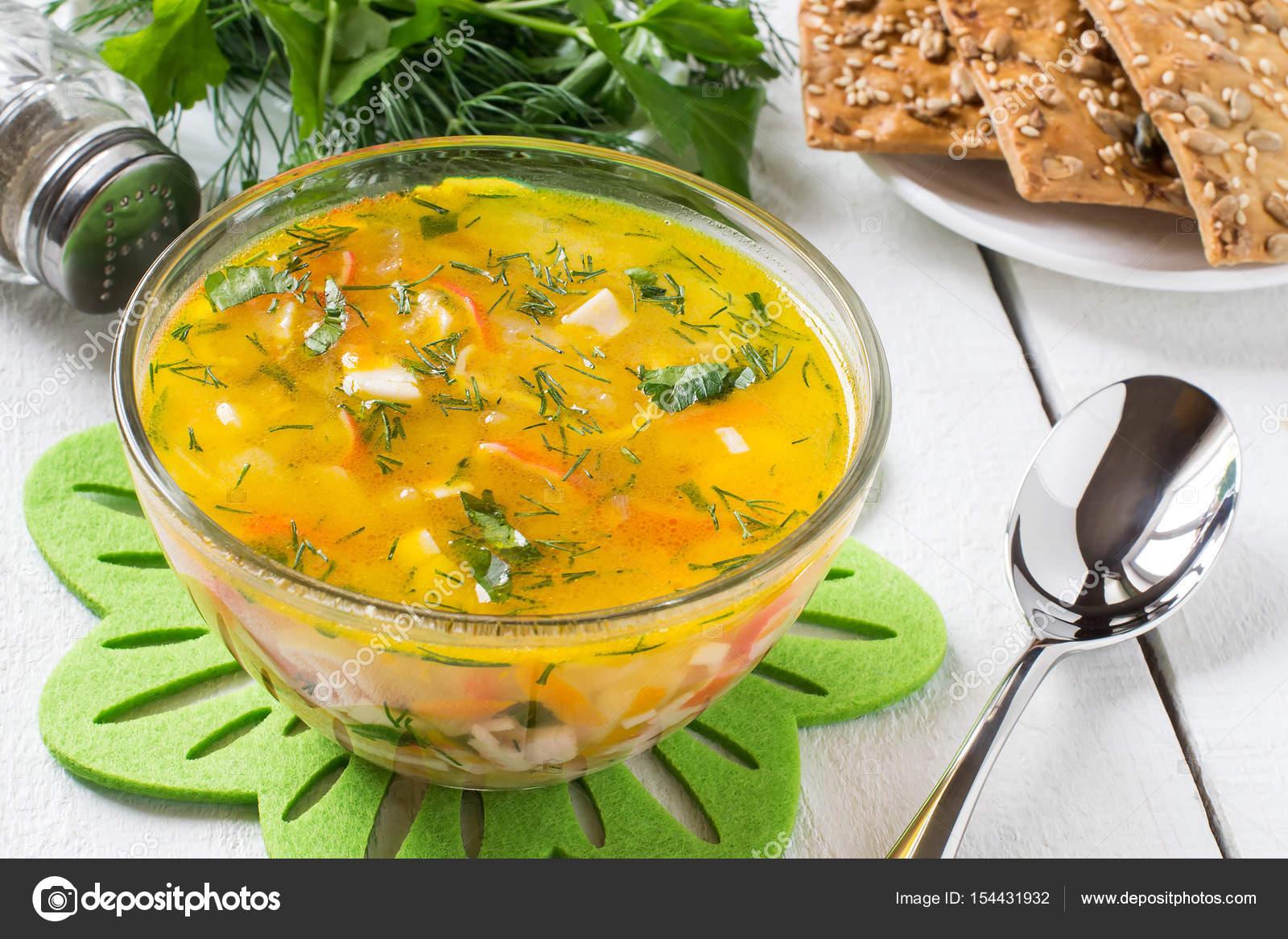 Surimi Suppe Mit Kartoffeln Karotten Zwiebeln Und Kräutern