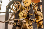 Clock gear mechanism
