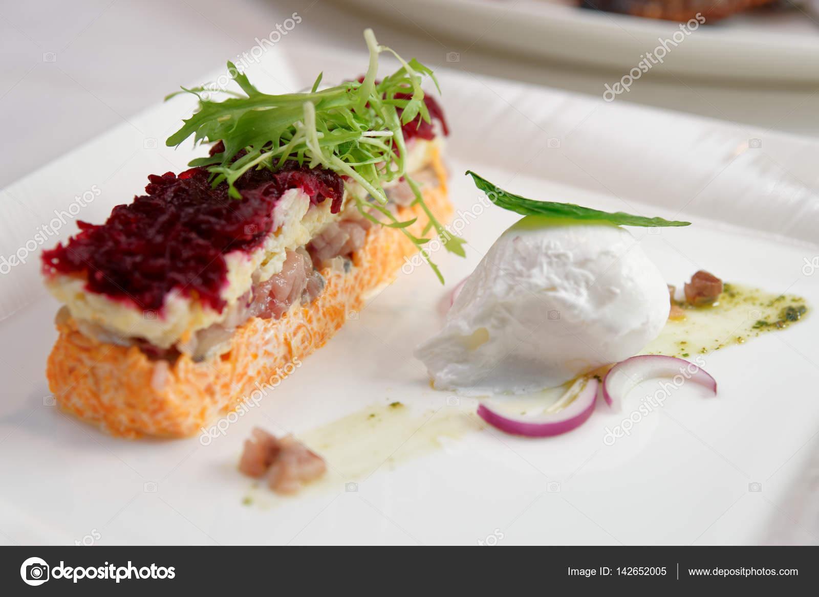 Gekleidete Hering Vorspeise, russische Küche Teller — Stockfoto ...