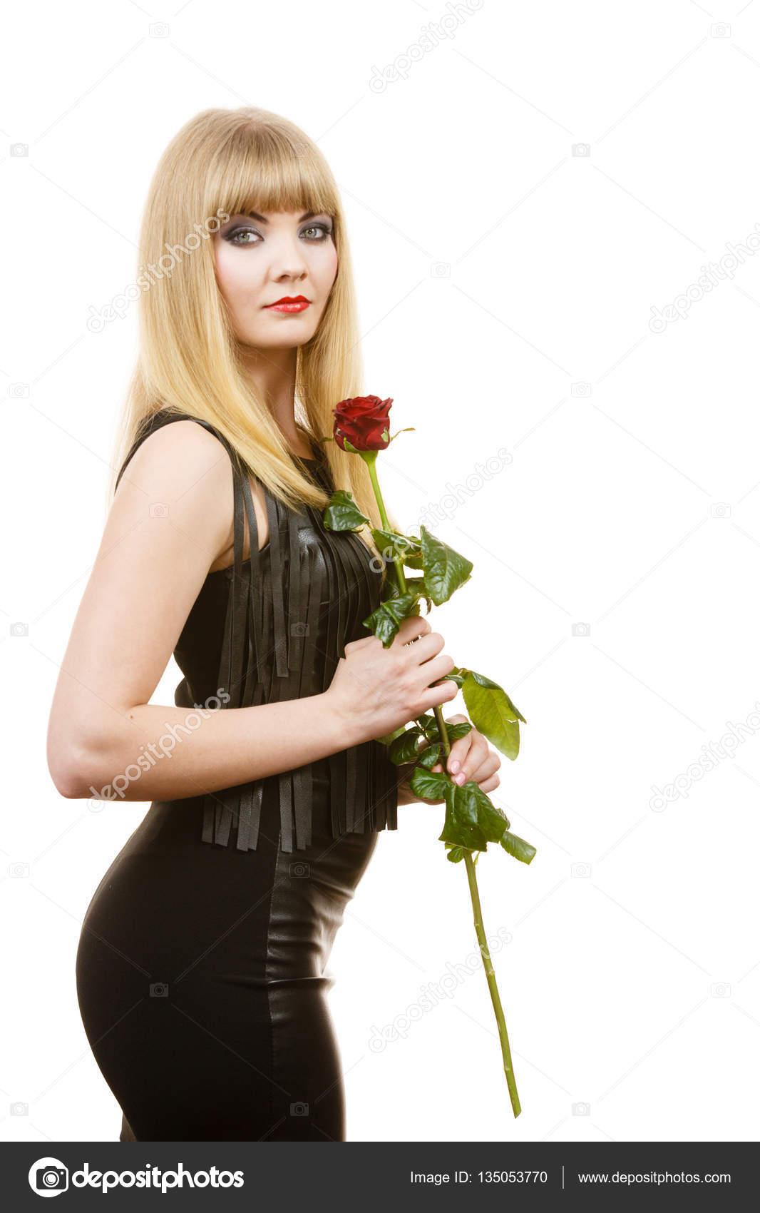 randki z atrakcyjną dziewczyną przykładowa polisa dotycząca dat pracownika