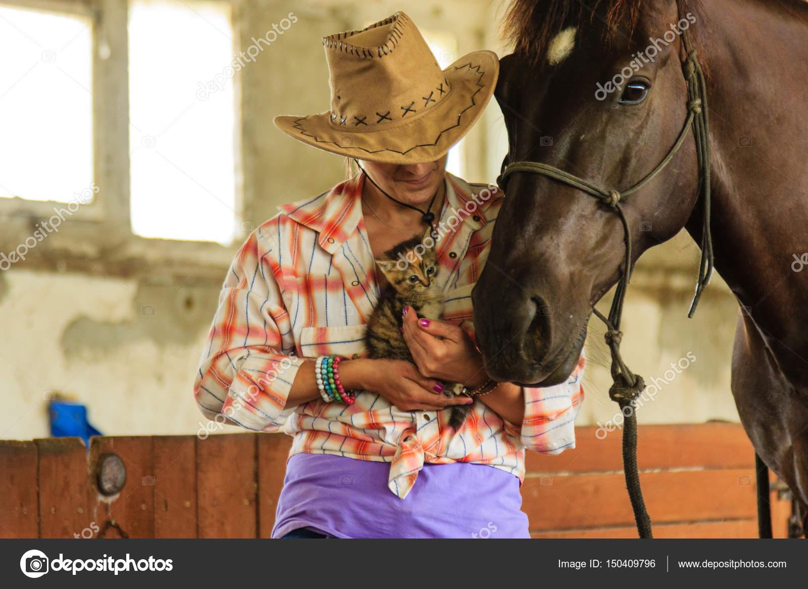 Imágenes Vaqueras De Amor Descargar Vaquera De Pie Junto A Amigo
