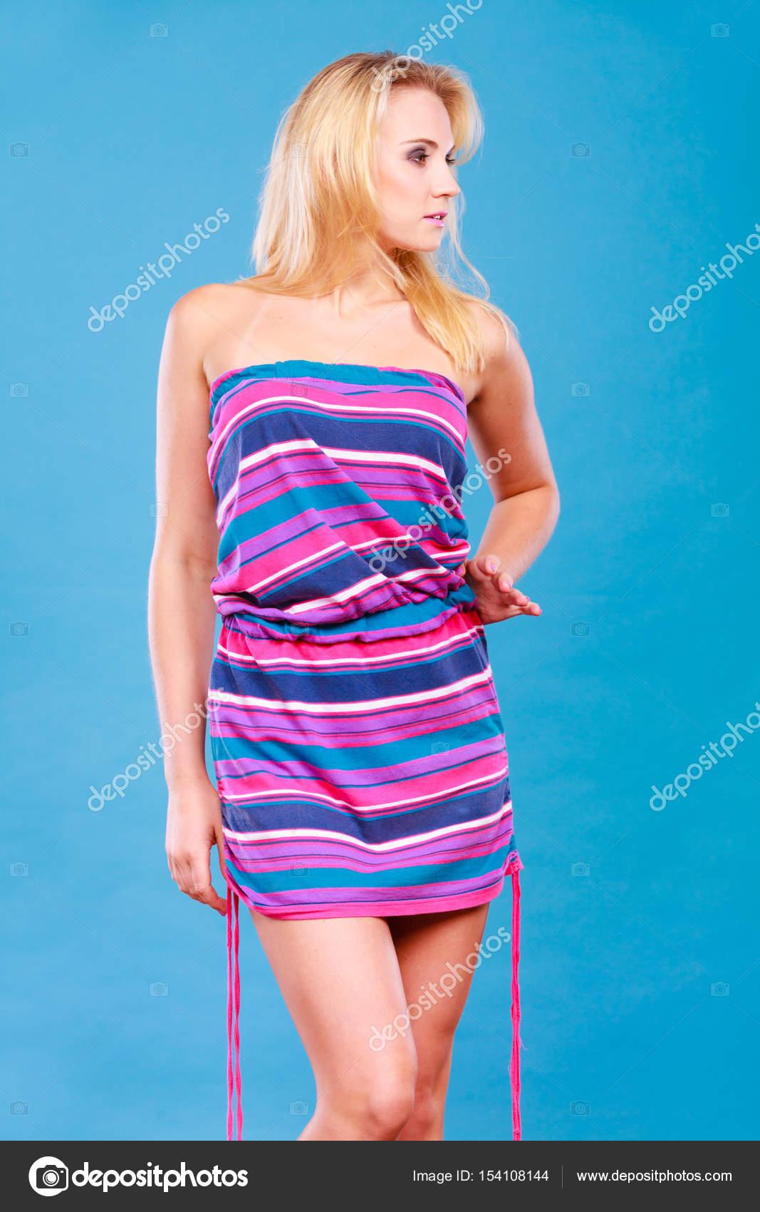 Vestido corto de rayas verano
