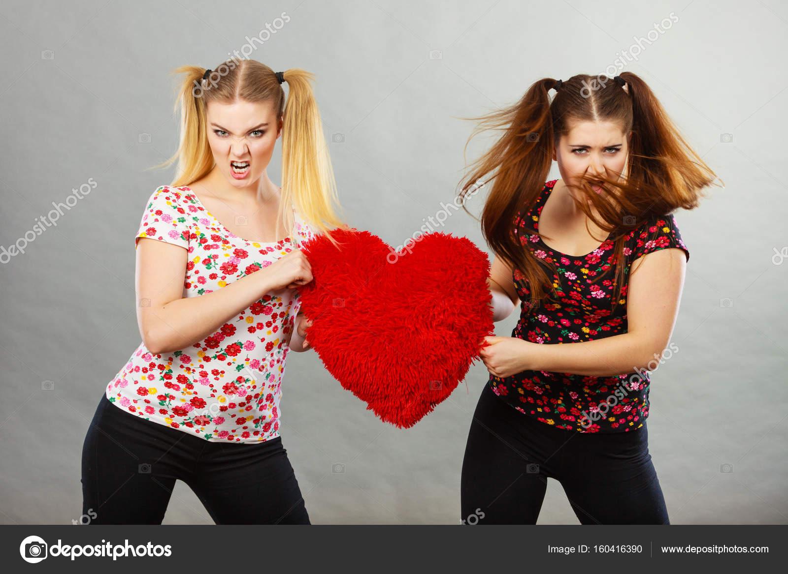 Adolescenti ragazze avendo sesso