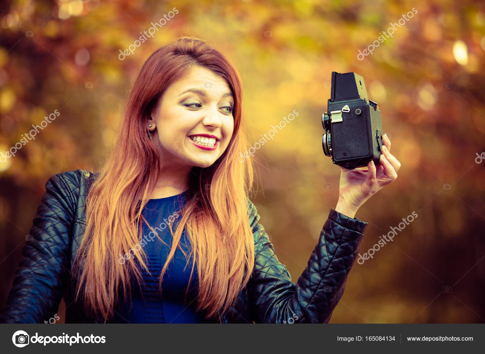 Парня камера за молодыми девушками трахнул согласился возбуждал