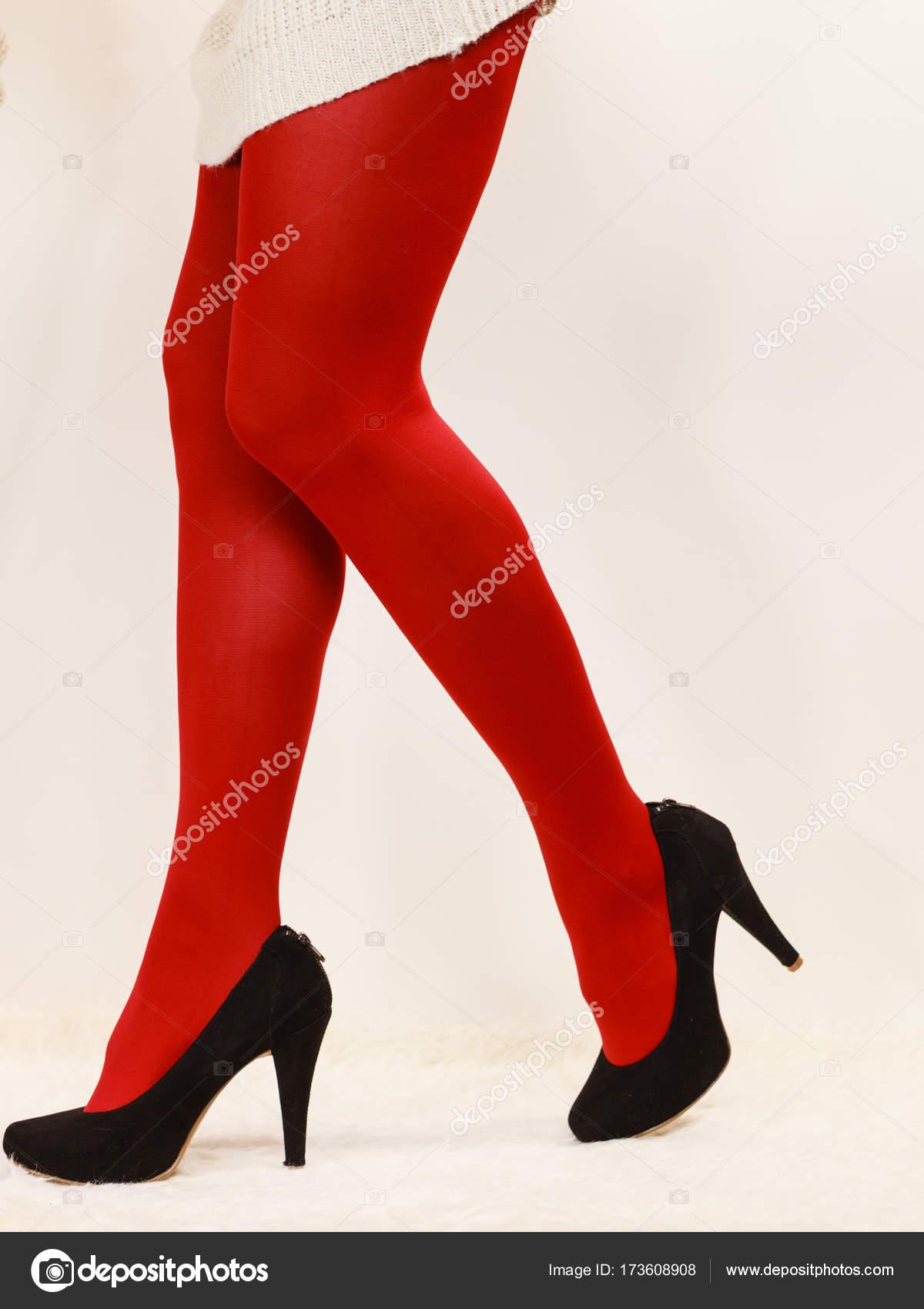 free-pantyhose-and-red-heels-big-tit-lesbian