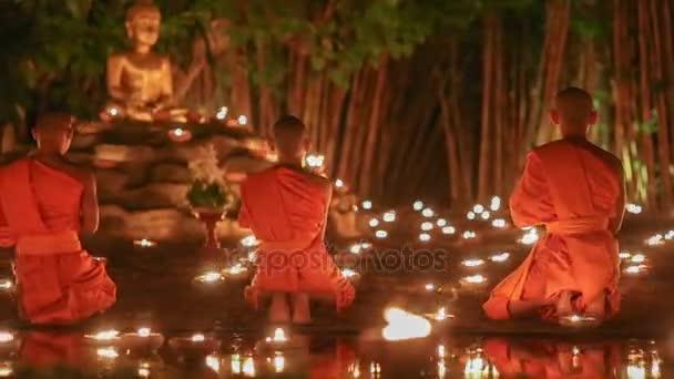 Asalha Bucha nap, Chiangmai, Thaiföld.
