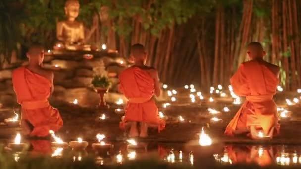 Asalha Puja den, Chiang mai, Thajsko