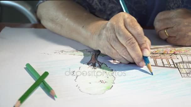 Idős asszony festés szín hobbiból rajz