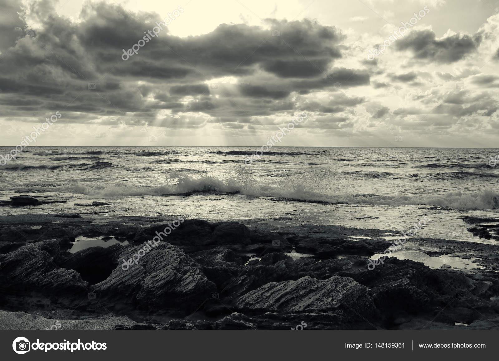 Immagini Spiaggia E Mare Sfondo Di Spiaggia E Mare Immagine In