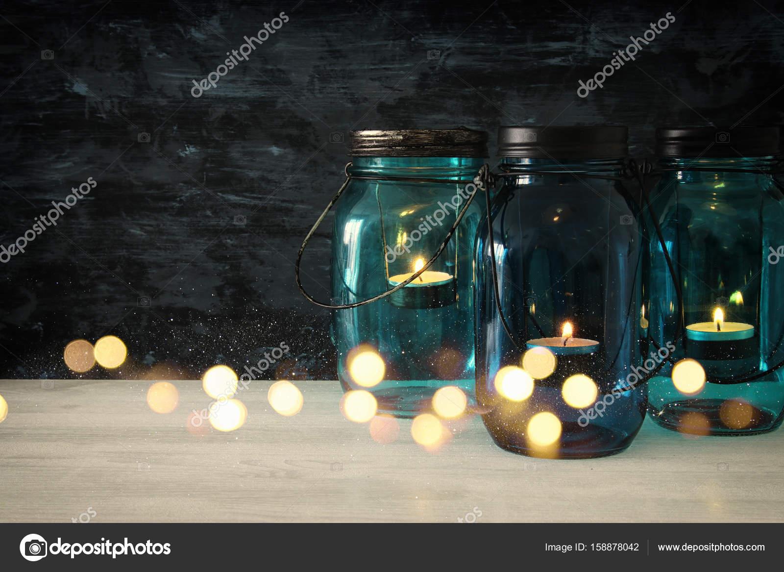 Vintage Deko Magische Mason Glaser Mit Kerzenlicht Auf Holztisch