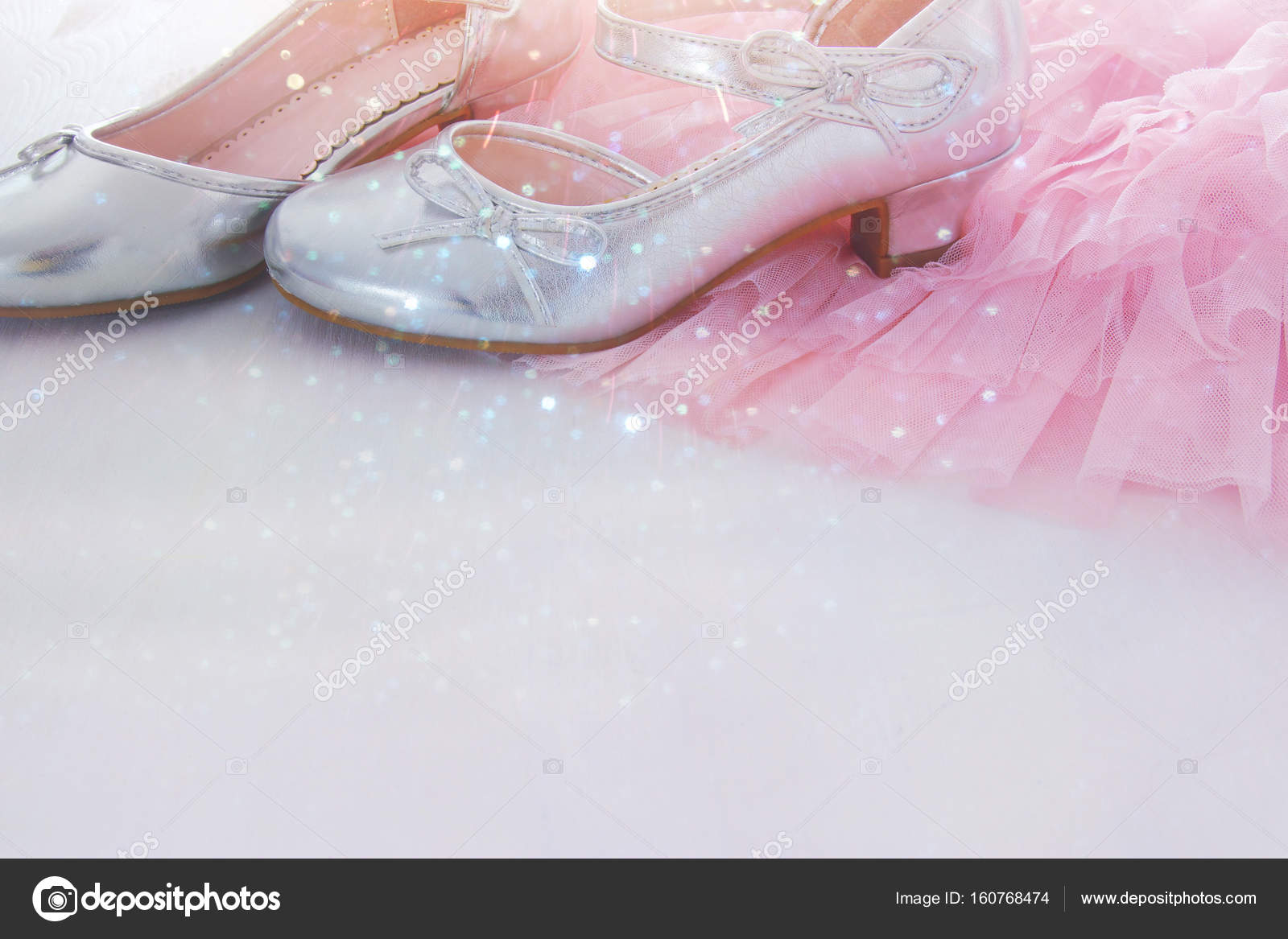 ab277557b9 Vintage rózsaszín tüll chiffon ruha és a fapadló fehér ezüst cipő.  Menyasszonyi, koszorúslány és