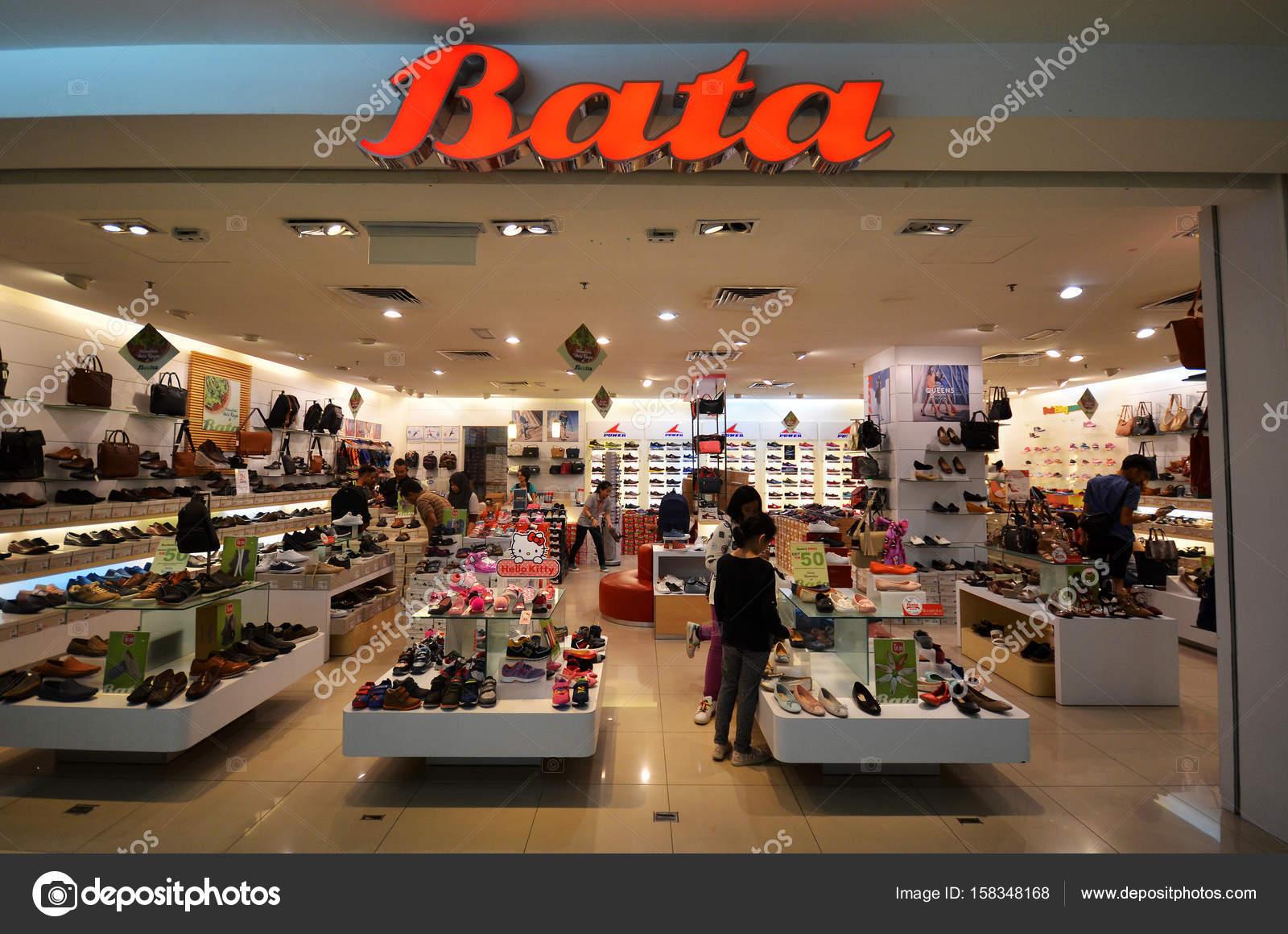 ca769853e Imágenes: tiendas de zapatos   Tienda de zapatos de moda de bata ...