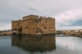 ősi paphos kastély közelében Földközi-tenger