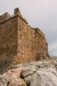 starobylý a historický hrad paphos v cypru