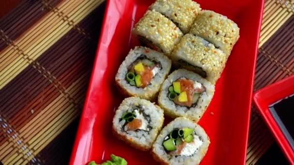 finom japán tekercs, szezámos