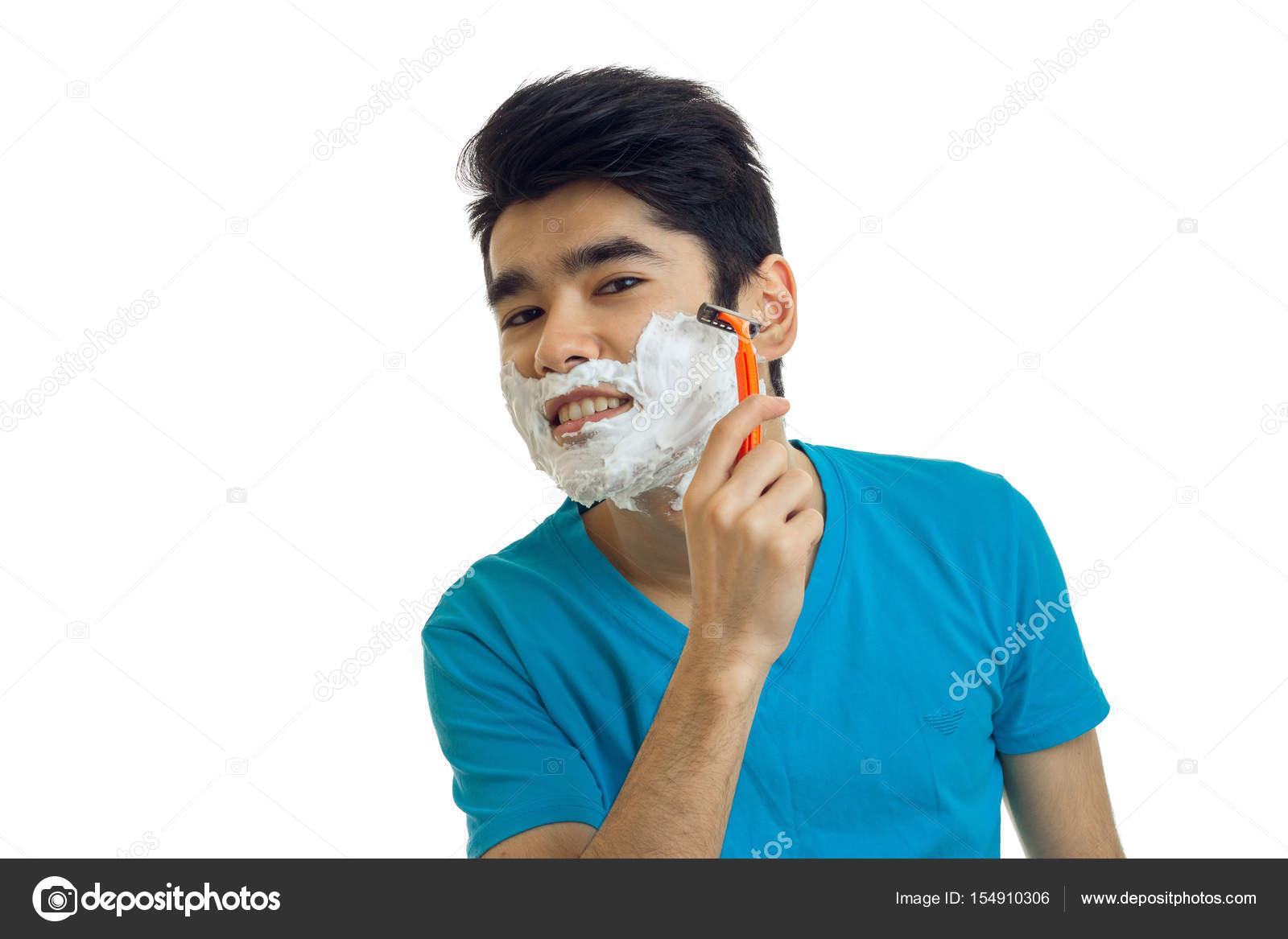 Парень бреет парня — 5
