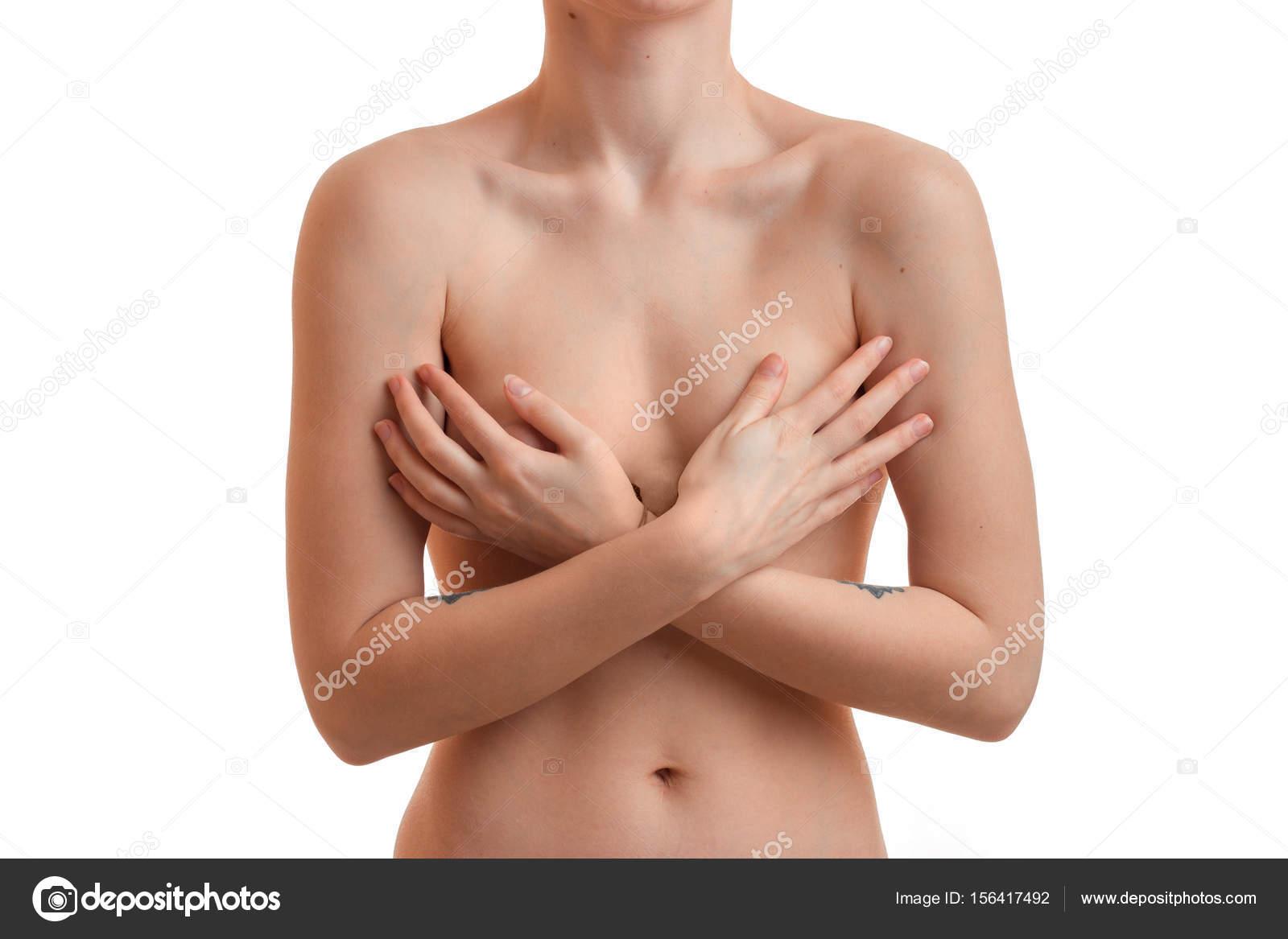 femmes nue qui se met la main