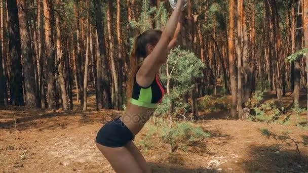 Видеоролик девушка и спорт — 3