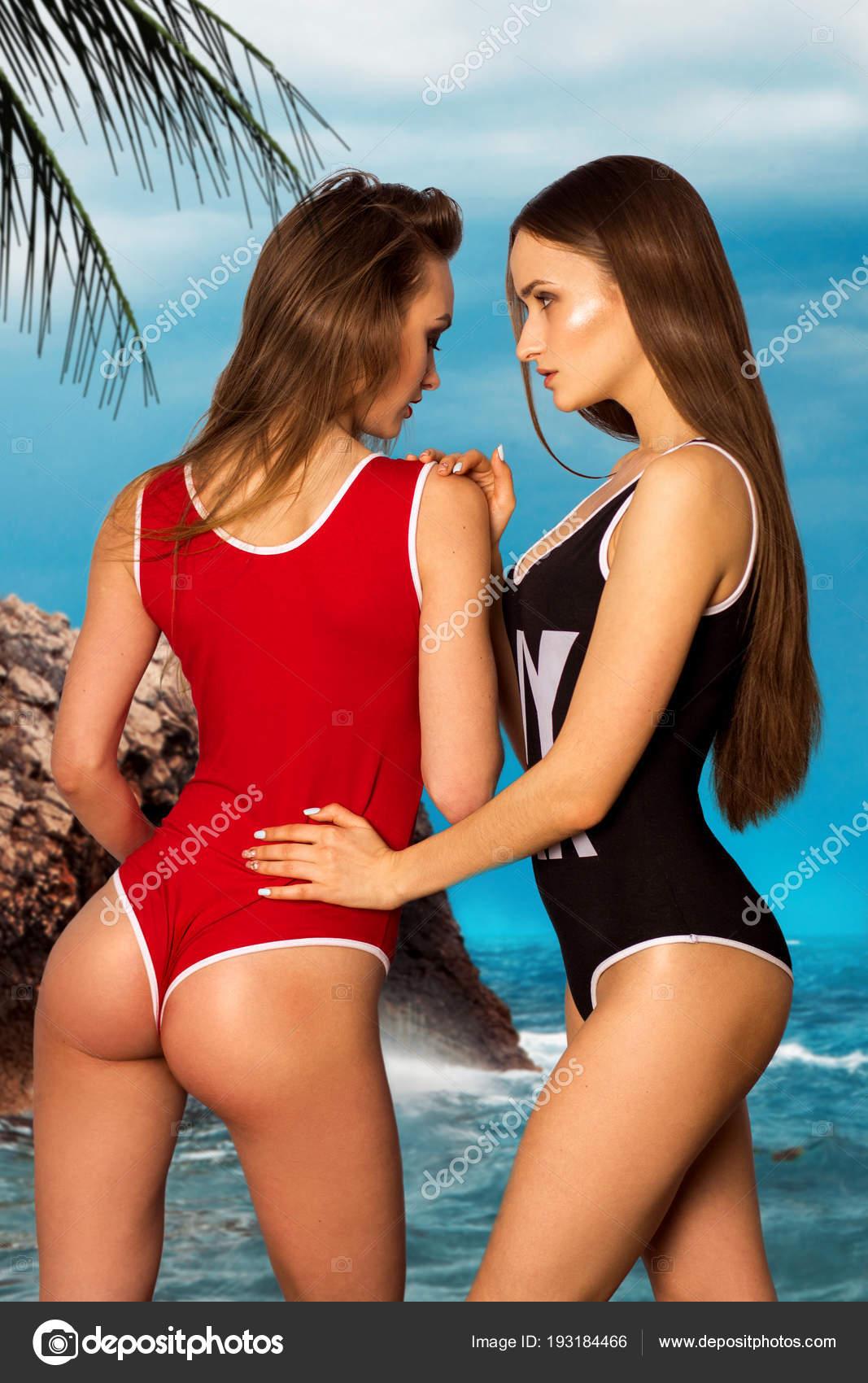 Καυτά γυμνή κυρίες εικόνες