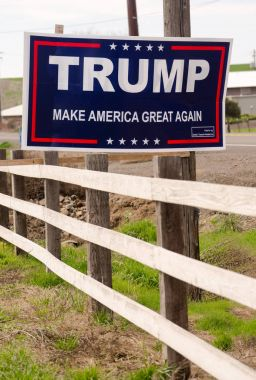 Trump For President Campaign Sign Rural Farm Country