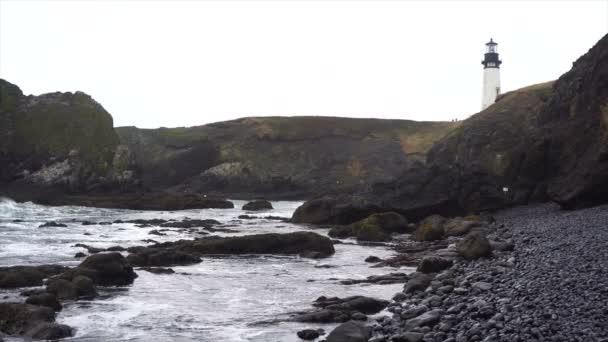 Pazifischen Ozean Strand Cape Foul-Wetter Wellen Absturz Yaquina Head Lighthouse
