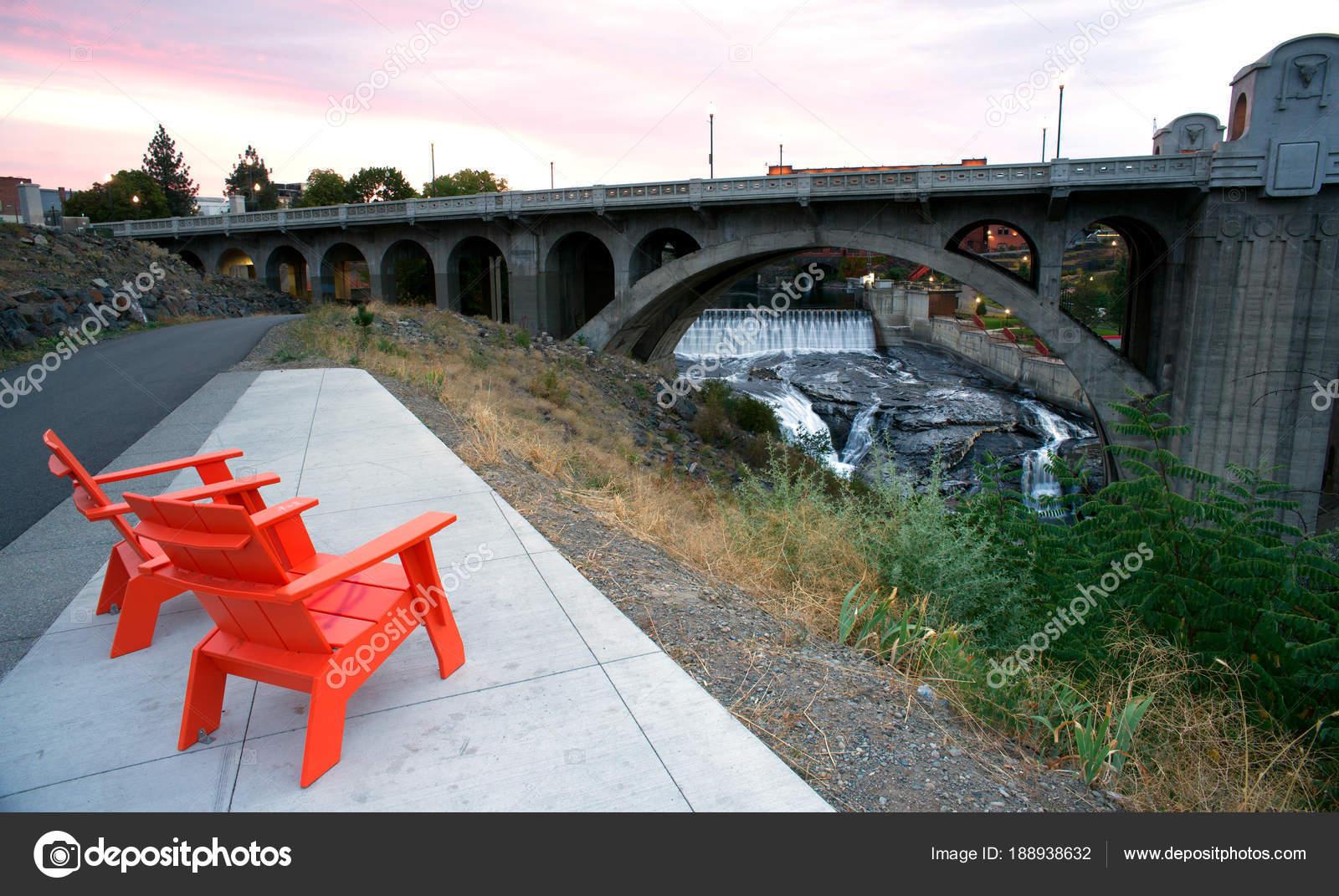 Sitting Area Chairs Riverfront View Arch Bridge Spokane Washington U2014 Stock  Photo
