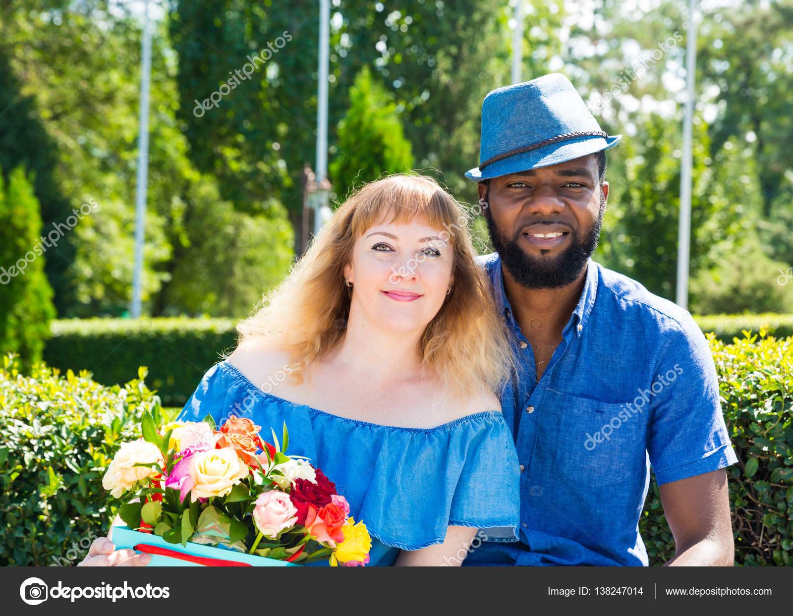Schwarze Menschen in der Liebe