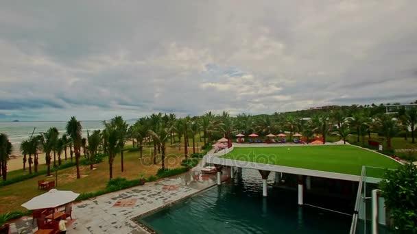 Strand mit Park pool